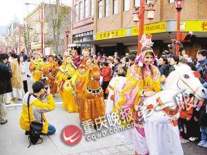 温哥华,唐人街举行中国年大游行。受访者供图