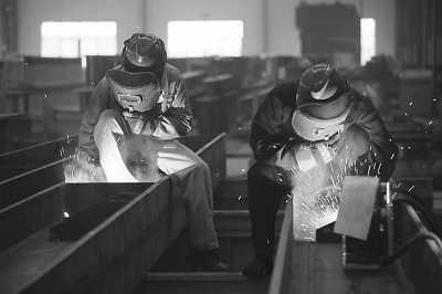 劳务输出到澳大利亚_中国技术工人海外吃香:月入1.5万 2年申请绿卡_新加坡频道_新华网