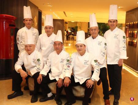"""參與""""中國美食之旅""""晚宴的廚師來自玉樓、樂記、咏春園、樂天潮州、江師傅菜館和禦寶上海酒家六家著名餐館。"""
