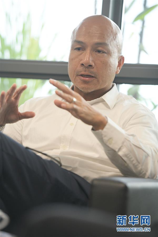 """(國際·""""一帶一路""""高峰論壇·圖文互動)專訪:""""一帶一路""""倡議對于亞洲的發展具有重要意義——訪新加坡南洋理工大學學者廖振揚"""