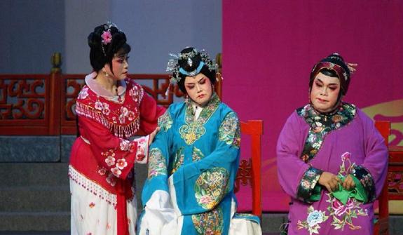 新加坡举办戏曲胡姬花奖评选活动