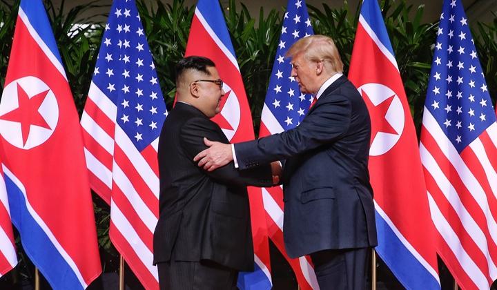 朝美領導人首次會晤在新加坡舉行