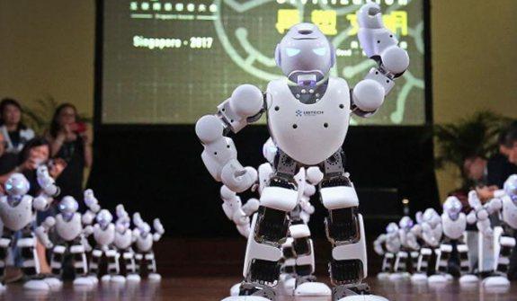 中國高科技機器人舞動新加坡